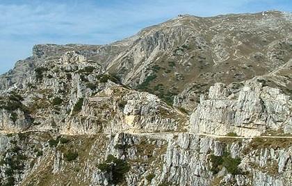 Escursione guidata al Monte Pasubio, strada delle 52 gallerie